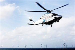 AW139 windmills offshore 2